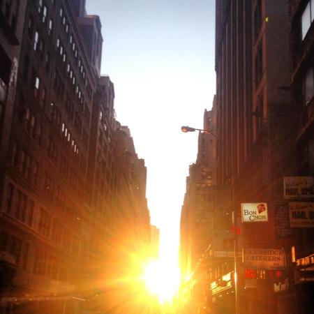 Manhattanhenge 2012 3rd shot